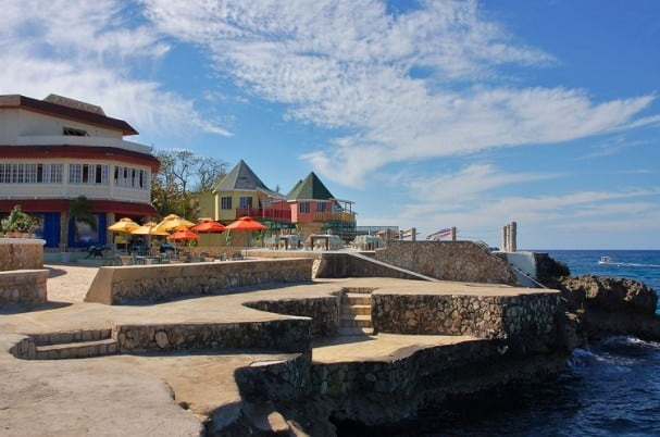 Luxury Holidays On A Budget: Pushcart Restaurant and Bar Jamica