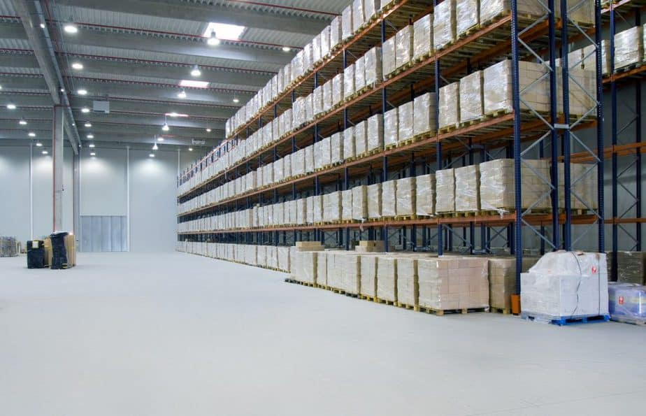 Warehouse for storing products